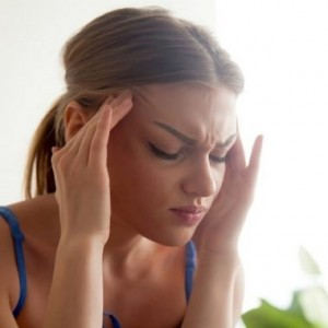 Migraines are extremely irritating. Know the symptoms & ways to prevent it